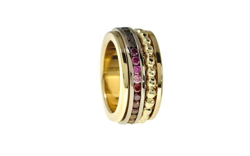 Bijzondere trouwringen met kleurdiamanten